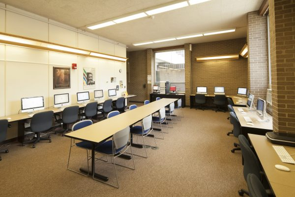 First floor computer lab in Witte Hall.