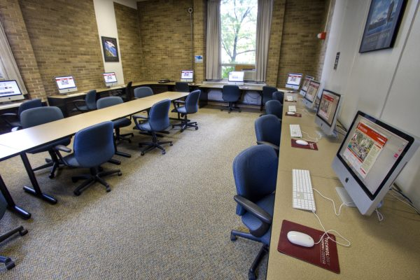 Sellery Hall computer lab.