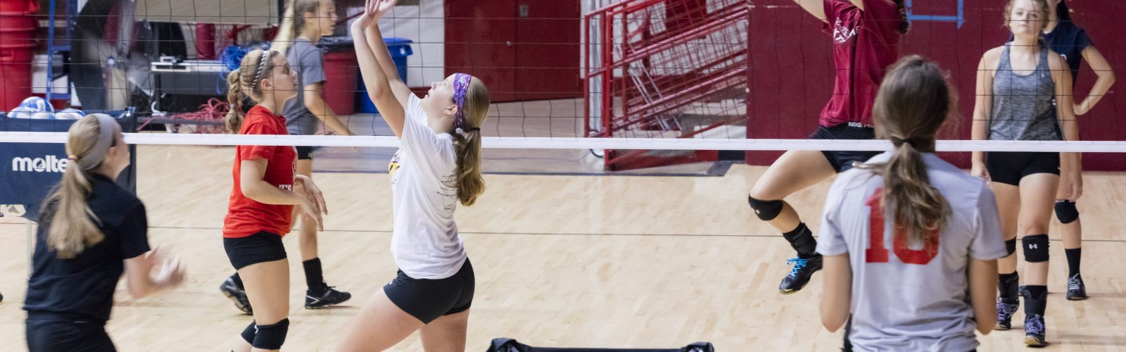 Students participate in UW Athletics badger Volleyball camp